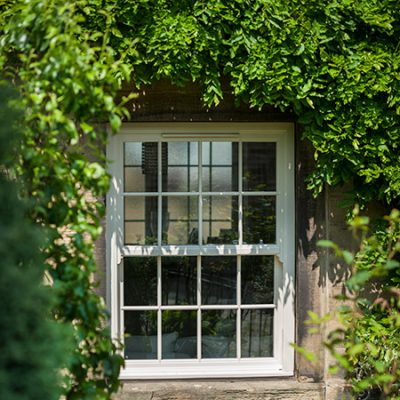 Synseal uPVC Vertical Slider